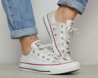 Vintage 90s Converse White Leather Ox Shoes Low Tops Trainers Sneakers  Chuck Taylor Preppy Label Size UK 4 EU 36.5 US Mens 4 Womens 6 cm 23 8704af9c4