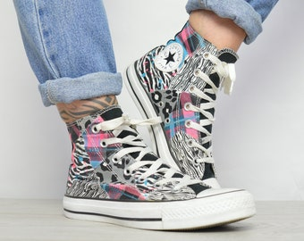 Vintage 90s Converse Black   White with Colourful Abstract Print Hi-Tops  Sneakers Retro Label Size UK 5 EU 37.5 US Mens 5 Womens 7 cm 24 61eed73dc