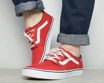 639cba6a3a Vintage 90s Vans Red   White Skate Shoes Trainers Sneakers Skateboard  Grunge Hipster Preppy Label Size Mens UK 8 EU 42 US 9 cm 27
