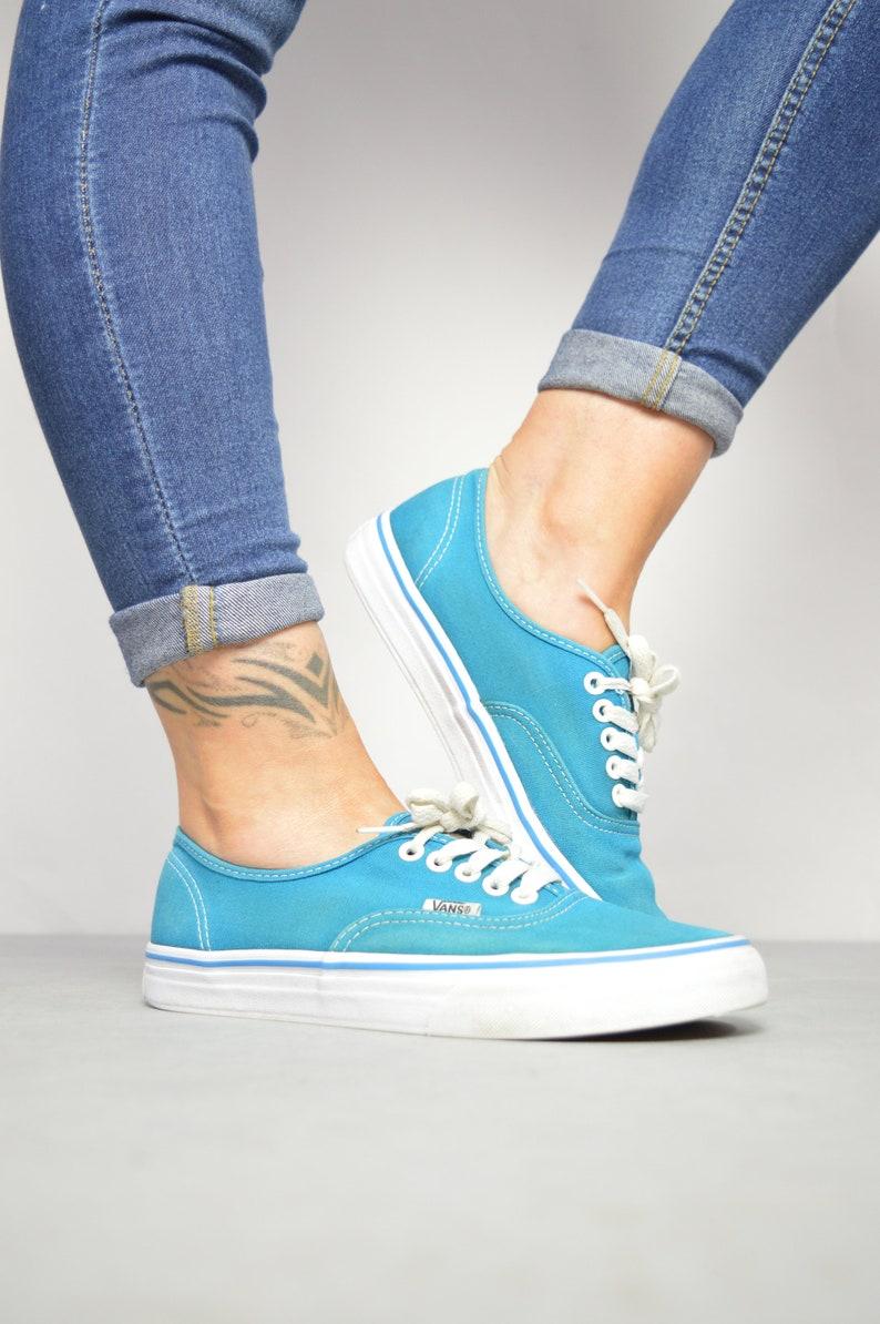 615bd246ce0f9 Vintage 90s Vans Blue Skate Shoes Trainers Sneakers Skateboard Hipster  Preppy Festival Label Size UK 6 EU 39 US Mens 7 Womens 8.5 cm 25