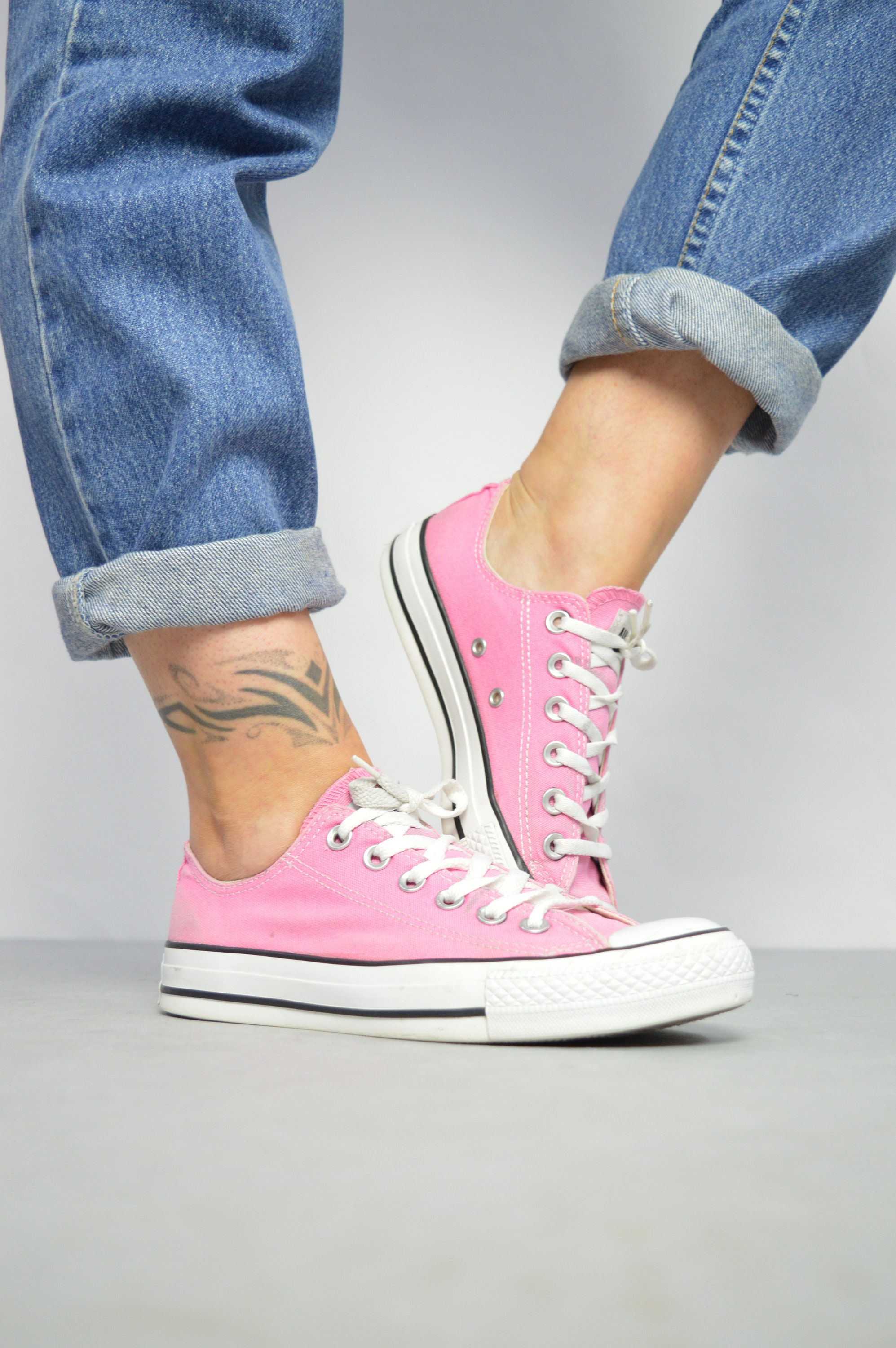 b01427107f19 Vintage 90s Converse Pink Ox Shoes Low Tops Trainers Sneakers