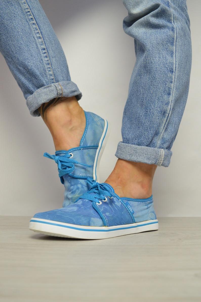 fd2a113f6d6a3 Vintage 90s Vans Blue Tie Dye Skate Shoes Sneakers Trainers Skateboard  Retro Preppy Grunge Label Size Womens UK 4 EU 36.5 US 6.5 cm 23