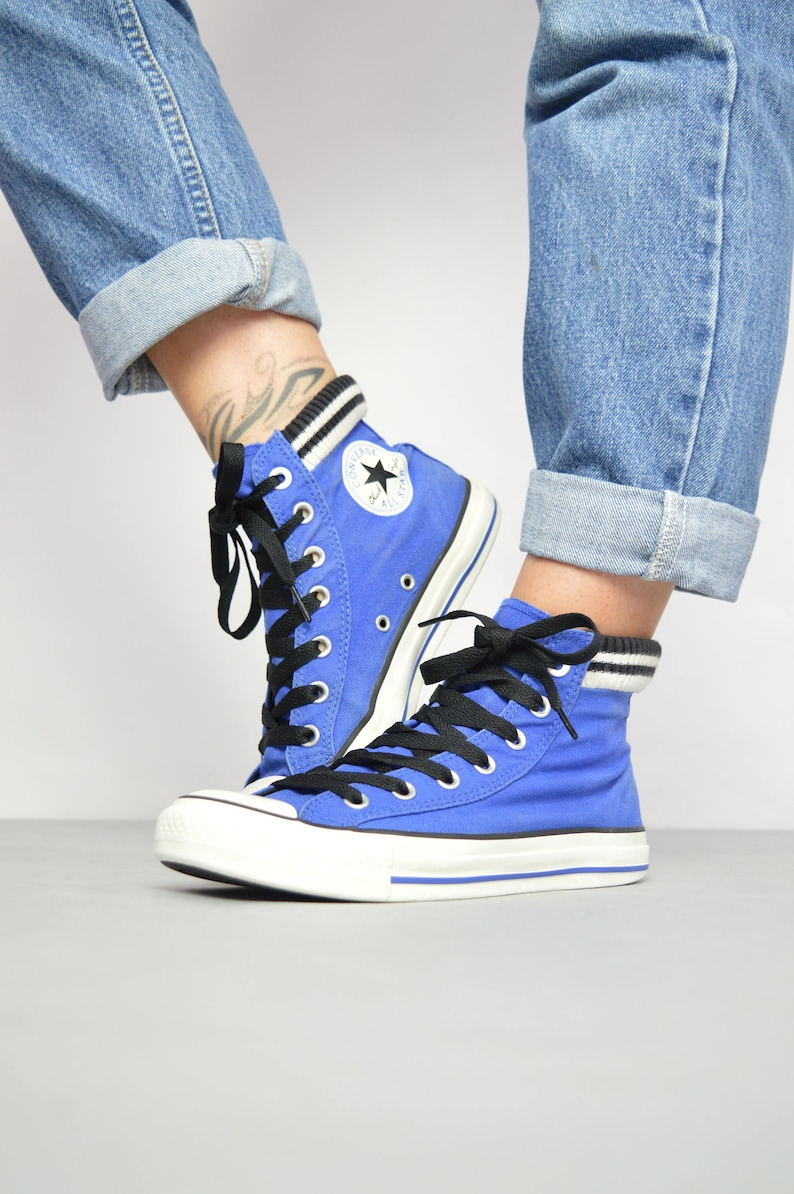 313ce4428e74 Vintage 90s Converse Blue with Black   White Striped Jersey Hi-Tops  Trainers Sneakers Chuck Taylor Retro Womens Size UK 3 EU 35 US 5 cm 22