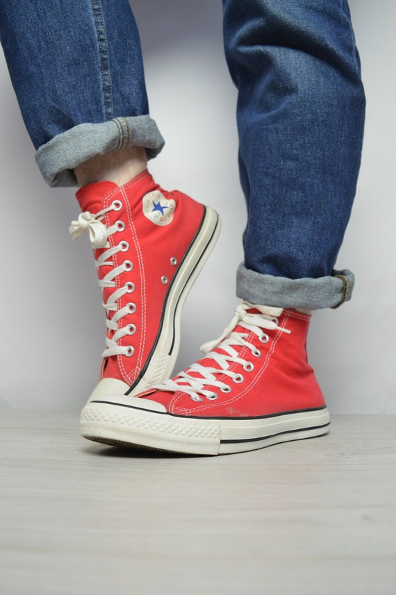 b3b9dfdaa786 Vintage 90s Converse Red Hi-Tops Trainers Sneakers Chuck