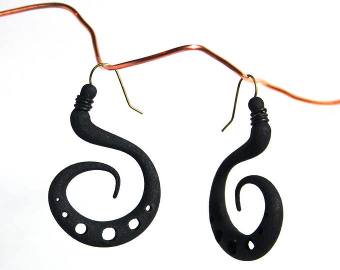 """Hypno"" Earrings in Black"