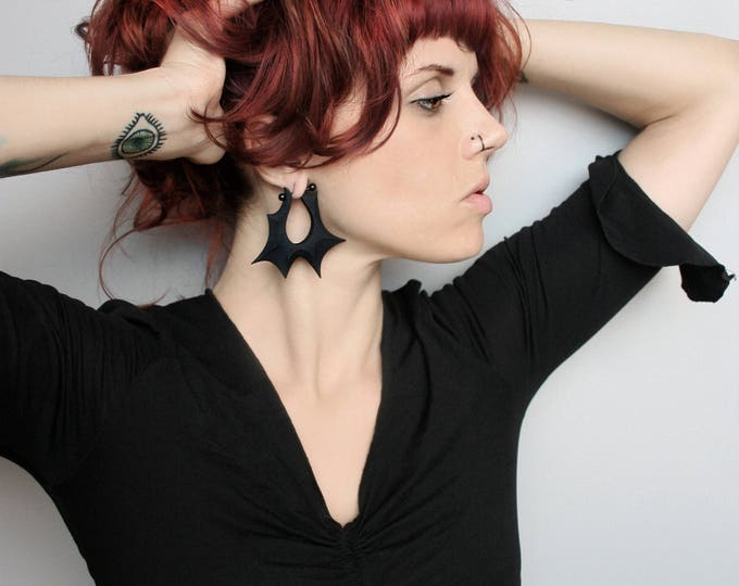 """Razor"" Gauge Earrings in Black"