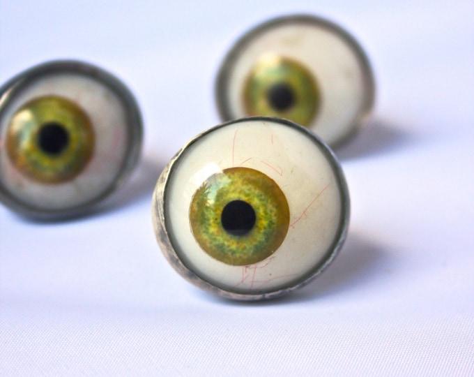 """Envy Eye"" Green Glass Eyeball Ring"