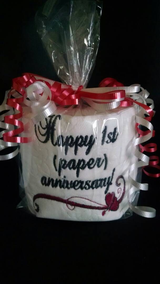 Ersten Jahrestag bestickte WC-Papier - Gag-Geschenk - traditionellen ersten Jahrestag Geschenk - 1. Jahrestagsgeschenk