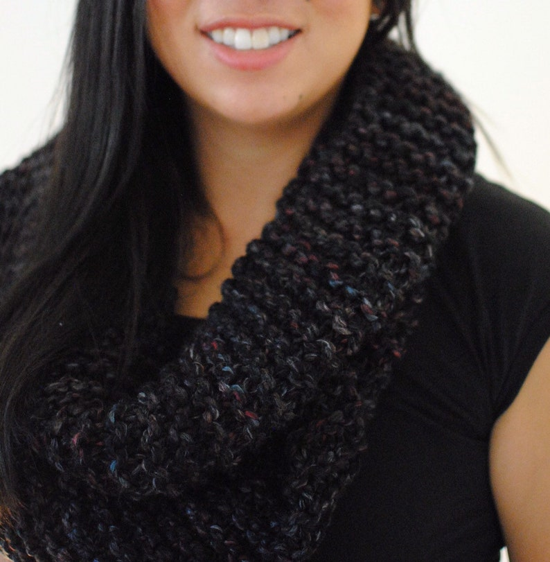 Chunky hand knit infinity scarf  black maroon gray image 0