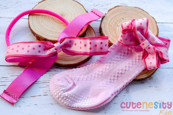 Polka dot pink bow with matching cable socks - Baby / Toddler / Girls / Kids Headband / Hairband  / Barette / Hairclip for birthday