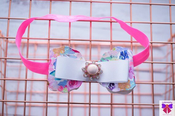Pink & whitefloral bow  - Baby / Toddler / Girls / Kids Headband / Hairband  / Barette / Hairclip / cake smash / birthday party / photoshoot