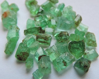 Tiny emerald crystals from Panjshir, Afghanistan. Port offered.