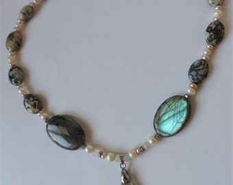 Gem necklace: Labradorite, moonstone, cultured pearls and agates.