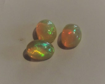 Set of three Opals 1.95ct from Welo, Ethiopia 7x5x3.5mm. #OP3195