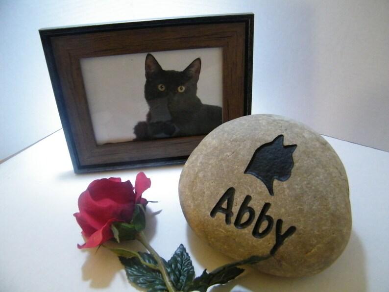Pet Memorial Rock,Personalized Pet Memorial Stone Marker Cat Memorial  Memorial Marker Pet Grave Markers Pet Supplies deshpandefoundationindia.org