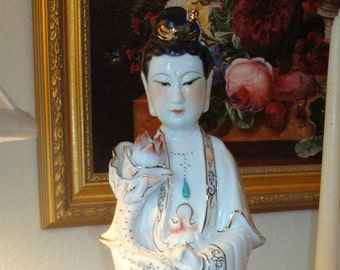 Vintage Porcelain Kwan Yin Goddess Statue -  Removable Left Hand Charm - Hand Painted - Excellent Condition!!