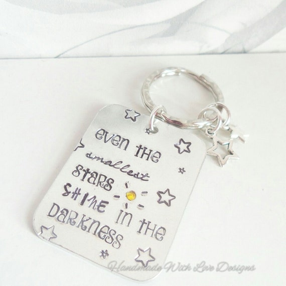 Inspirational quote keyring, Even the smallest stars shine in the darkness, friendship keyring, metal handstamped keychain, quote keyring