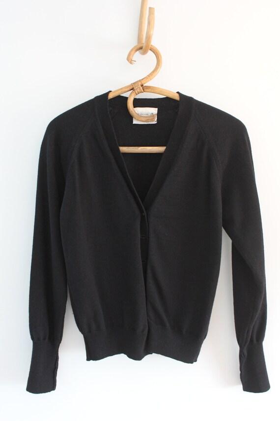Vintage 80s 90s snug fit black cropped wool cardi… - image 1