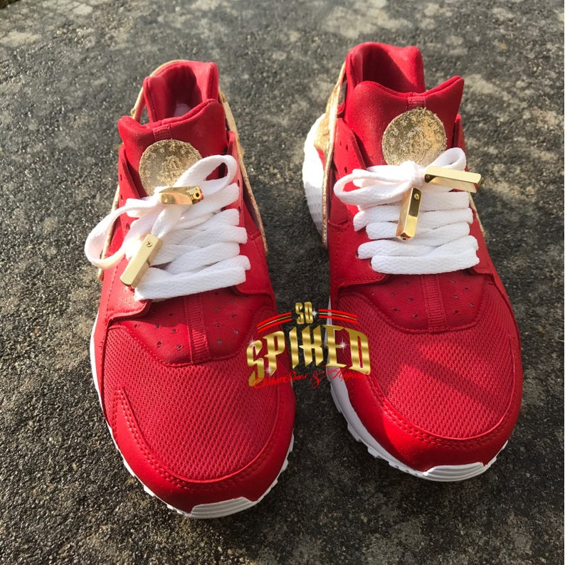 10455ddd7 Custom Red and Gold Glitter Nike Air Huaraches with glitter | Etsy