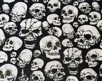 Cotton fabric - MC skull ( 0,5 meter )
