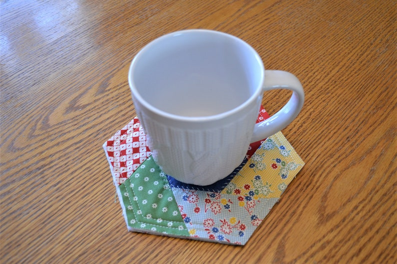 Bridal Gift Table Linen Kitchen Gift Housewarming gift Trivet Coaster Mug Rug Pot Holders Kitchen Hot Pads Hot Pads Mom/'s Day Gift