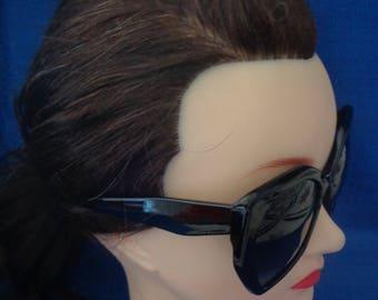 27fb05cbb04 Ladies Vintage Big Black Sunglasses