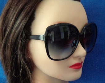 901d40c12 Ladies Vintage Oversized Black Sunglasses, Chic Sunglasses