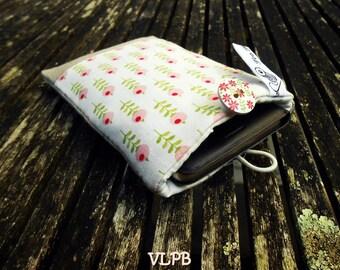 4ae657a6fc52 Etui téléphone, pochette matelassée lin et coton fleuri Tilda