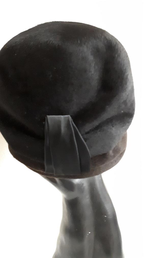ELSA SCHIAPARELLI cloche style vintage hat, black… - image 3