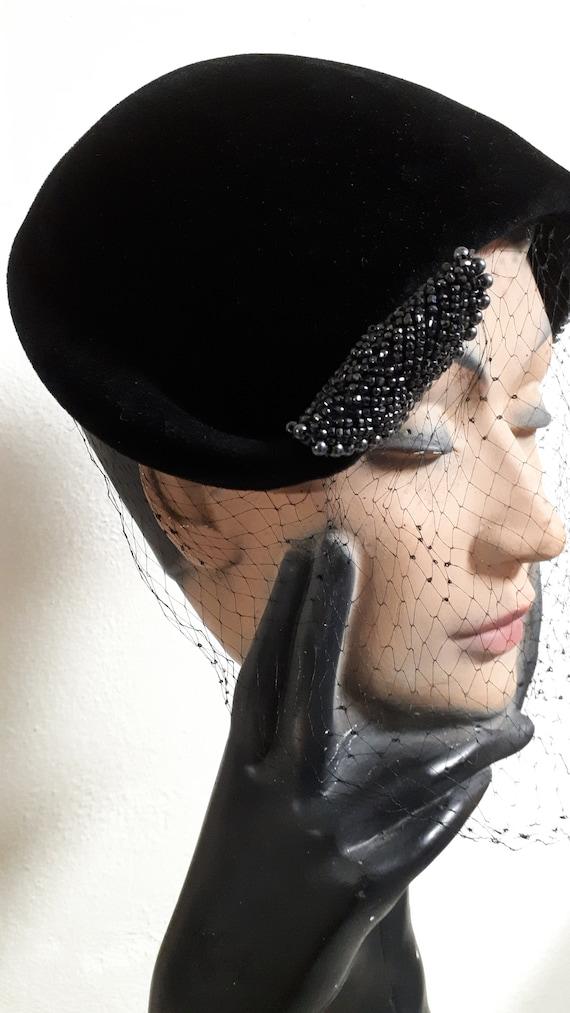 ELSA SCHIAPARELLI vintage cocktail hat, black sil… - image 1