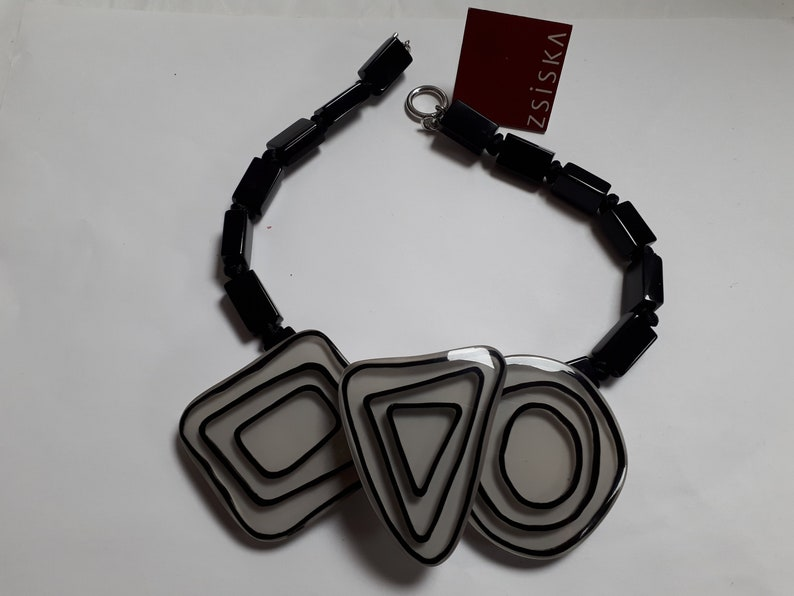 sensational old stock ZSISKA necklace with tag white and black art deco look