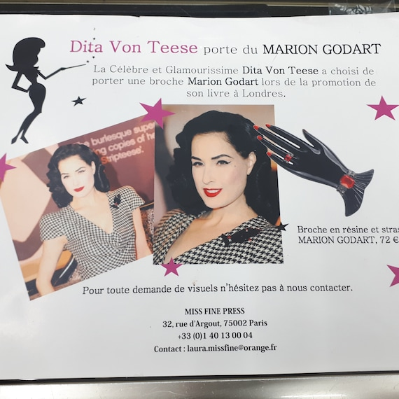 Marion Godart HAND brooch, black resin, red rhine… - image 10