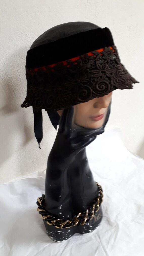 Elsa Schiaparelli couture hat, vintage cloche, si… - image 5