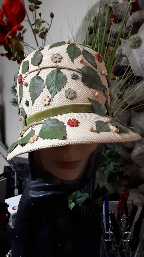 ELSA SCHIAPARELLI vintage hat, straw with appliqu… - image 2