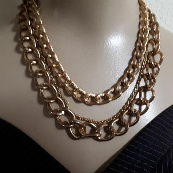 GOLDTONE triple chain necklace, en vogue, fashiona