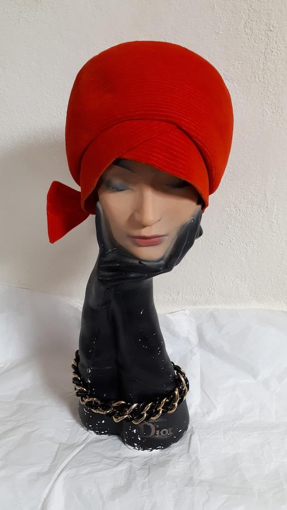 ELSA SCHIAPARELLI, haute couture hat, RED velvet,