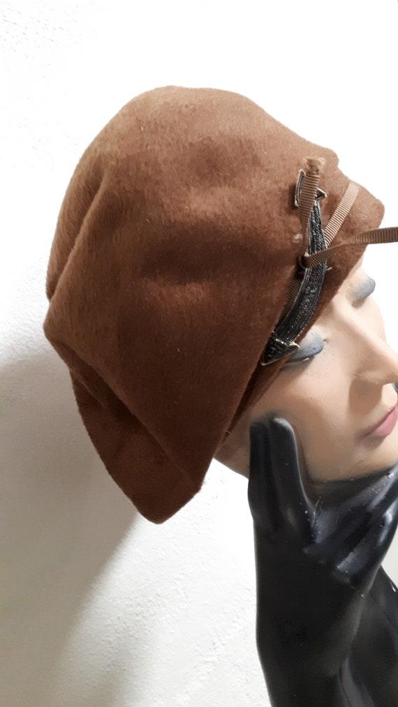 ELSA SCHIAPARELLI vintage hat, fifties, brown vel… - image 2
