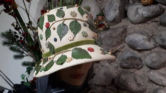 ELSA SCHIAPARELLI vintage hat, straw with appliqu… - image 3