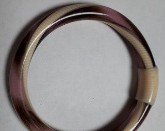 LEA STEIN bangle, 70's, laminated cellulose acetate, authentic, mauve and cream