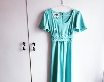 7857eb22c50e3 vintage 70s turquoise short sleeve maxi dress (small) – free us shipping
