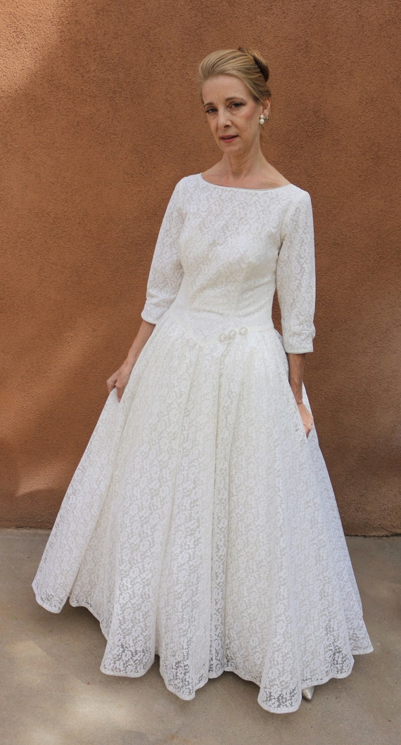 1950s Vintage Lace 3/4 Sleeve Wedding Gown