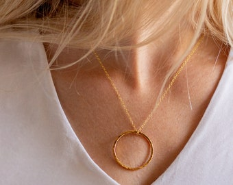 Large gold circle necklace, large circle charm, simple gold necklace, textured circle, everyday necklace, minimalist necklace