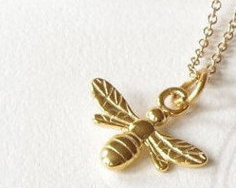 Gold Bee necklace,birthday necklace, bee jewelry, bee pendant, honey bee necklace, nature jewellery, bee charm, bee gift for her, bumble bee
