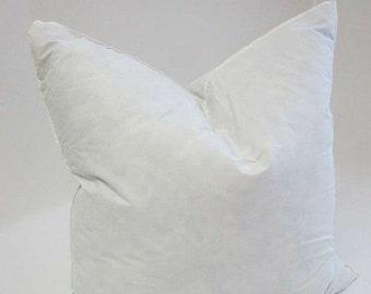 Hollow fibre travel jacquard pillow