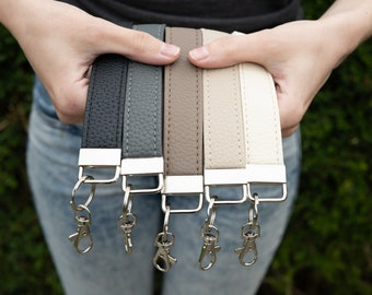Genuine Leather Wristlet Keyring / Key Fob / Keychain Wrist Lanyard / Wristlet Keychain / Unisex Leather Teacher Gift / ID Badge Lanyard