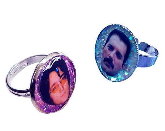 John Lennon / Freddie Mercury glitter ring