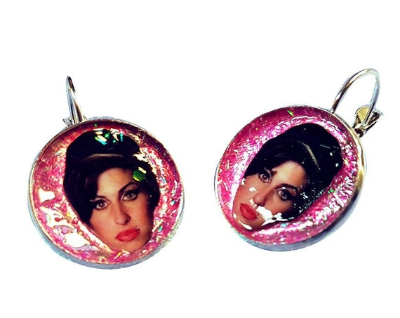 Amy Winehouse face glitter earring