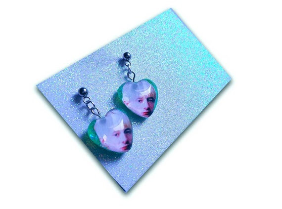 Thom Yorke and David Bowie glitter heart earring