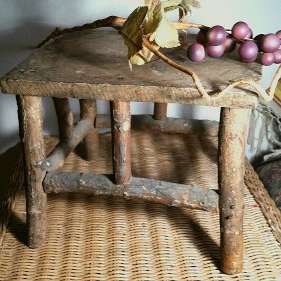 Strange Antique Twig Milk Stool Small Primitive Bench Adirondack Mountain Cabin Rustic Rural Cottage Farmhouse Vintage 20S 30S American Folk Art Bralicious Painted Fabric Chair Ideas Braliciousco