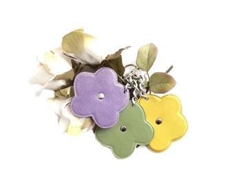 Flower charm, Women keychain, Flower keychain, Women key ring, Leather key ring, Flower key ring, Purple flower, Yellow flower, Green flower